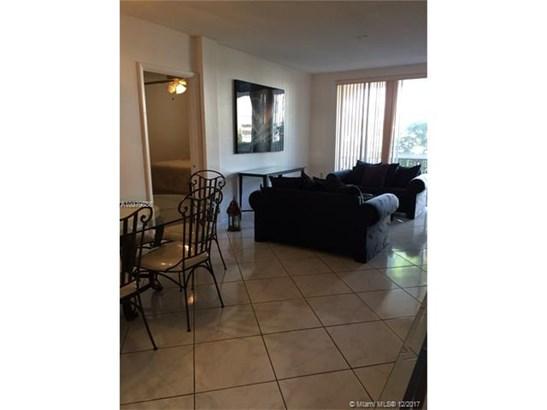 6705 Nw 169th St  #c109, Hialeah, FL - USA (photo 3)