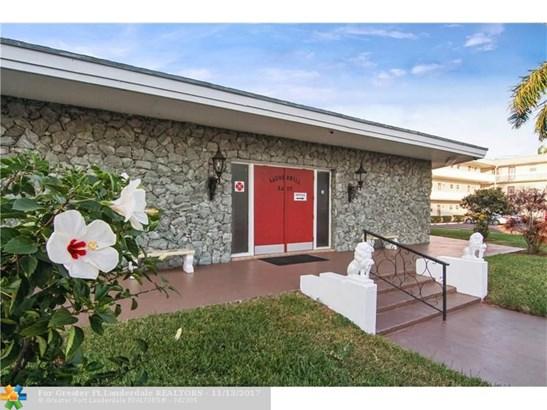 4331 Nw 16th St #d303, Lauderhill, FL - USA (photo 4)