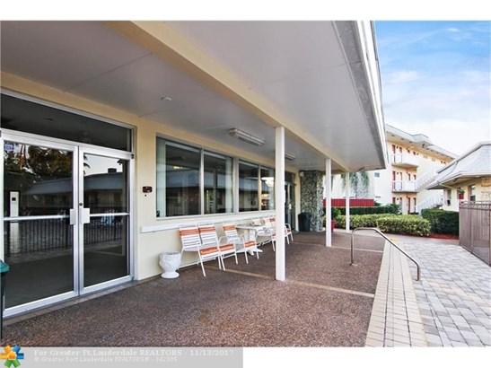 4331 Nw 16th St #d303, Lauderhill, FL - USA (photo 5)