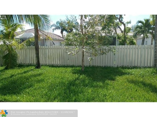 6868 Nw 33rd St, Margate, FL - USA (photo 4)
