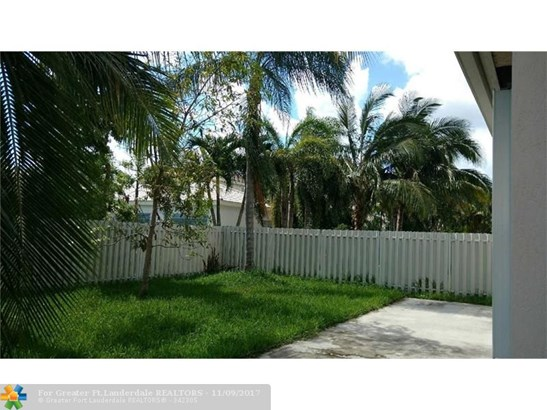 6868 Nw 33rd St, Margate, FL - USA (photo 5)