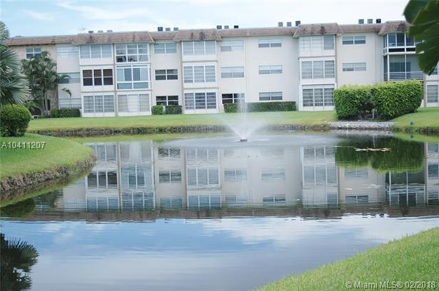 3406 Nw 49th Ave  #401, Lauderdale Lakes, FL - USA (photo 5)