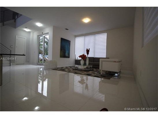 7415 Nw 102nd Ct, Miami, FL - USA (photo 2)