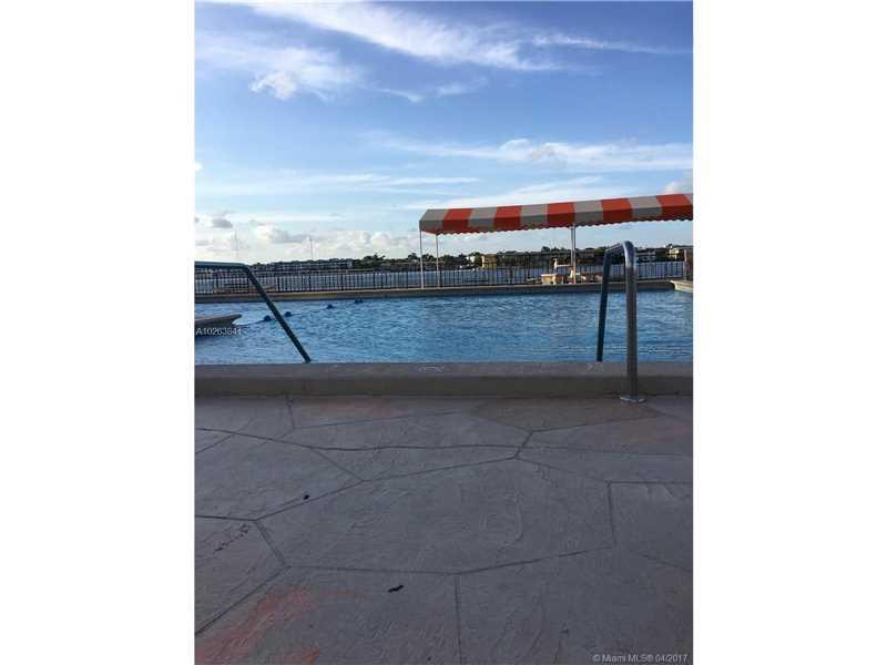 Condo/Townhouse - Miami, FL (photo 4)