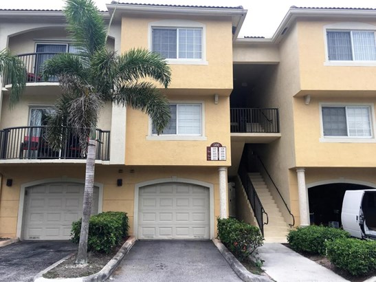 Condo/Townhouse - Royal Palm Beach, FL (photo 1)