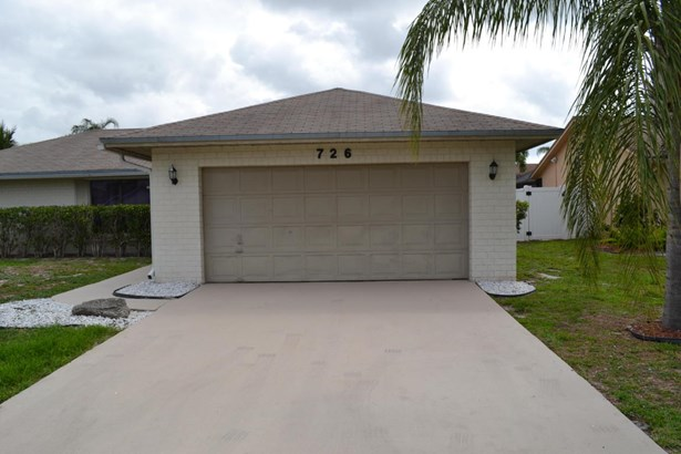 726 Nw 42nd Way, Deerfield Beach, FL - USA (photo 2)
