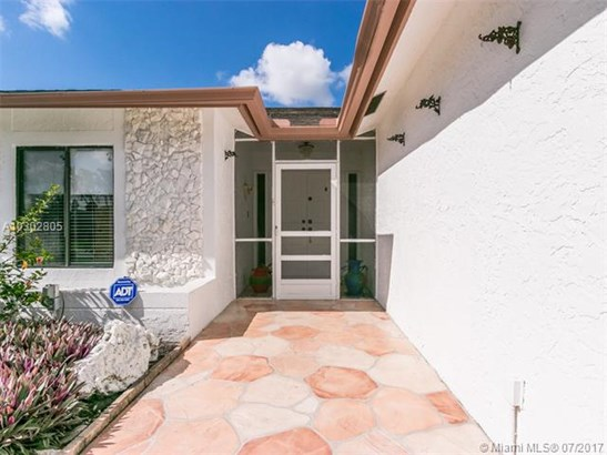 Single-Family Home - Tamarac, FL (photo 5)