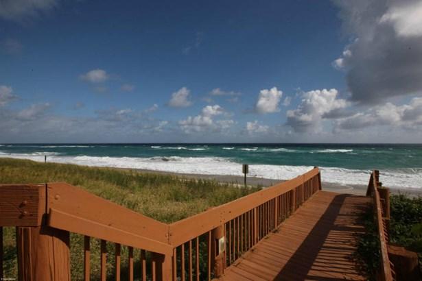 5280 N Ocean Drive Unit 16d, Riviera Beach, FL - USA (photo 4)