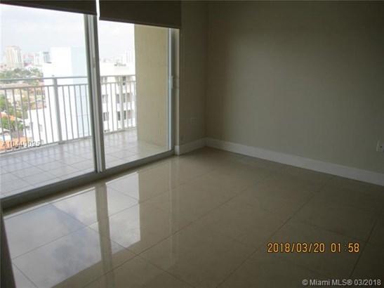 2425 Sw 27  #1108, Miami, FL - USA (photo 3)