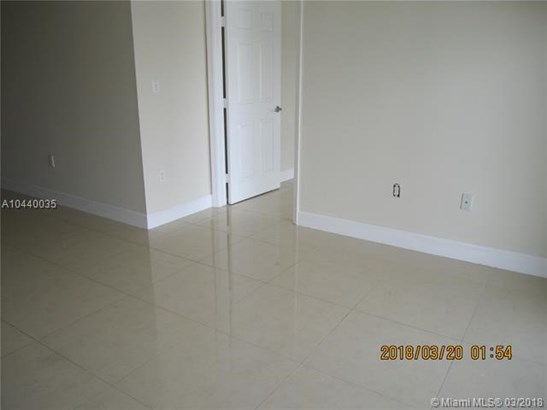 2425 Sw 27  #1108, Miami, FL - USA (photo 4)