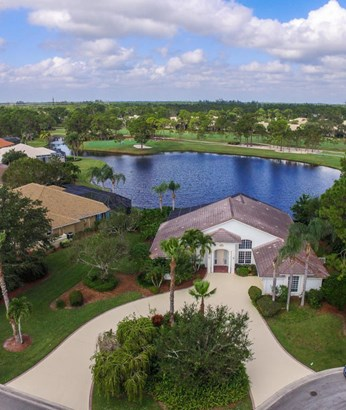 9660 Fairwood Court, Fort Pierce, FL - USA (photo 2)