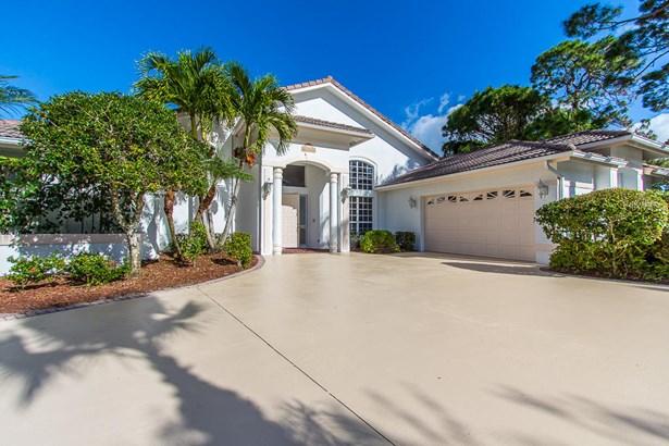 9660 Fairwood Court, Fort Pierce, FL - USA (photo 3)