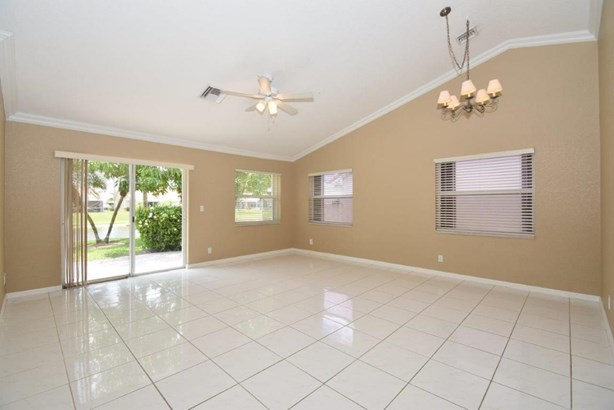 Single-Family Home - Delray Beach, FL (photo 5)