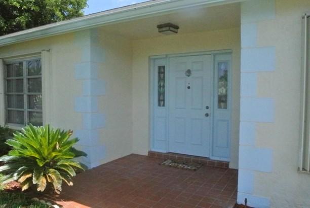Single-Family Home - Greenacres, FL (photo 2)