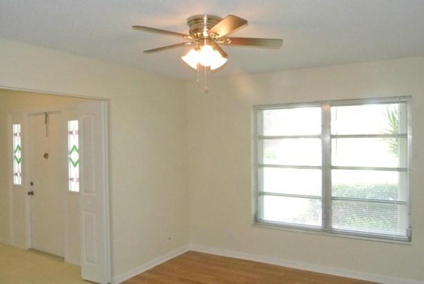 Single-Family Home - Greenacres, FL (photo 3)