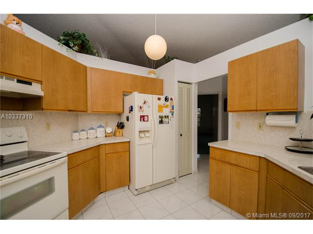 7900 Nw 18th Pl, Margate, FL - USA (photo 4)