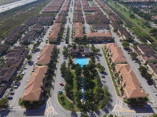 841 Sw 147th Ter  #841, Pembroke Pines, FL - USA (photo 2)