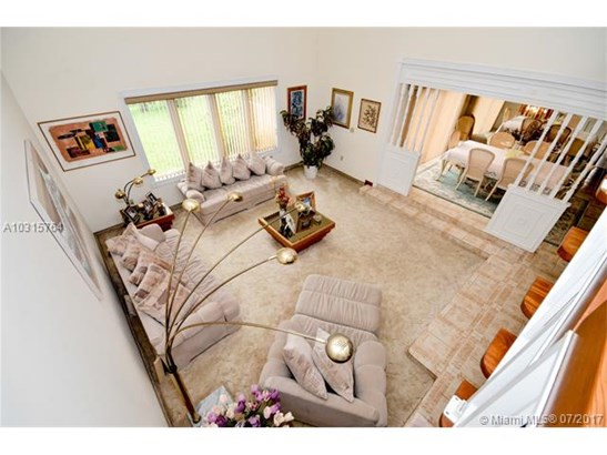 Single-Family Home - Miami Lakes, FL (photo 5)