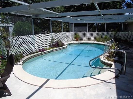 6611 Sw 7th St, Pembroke Pines, FL - USA (photo 2)