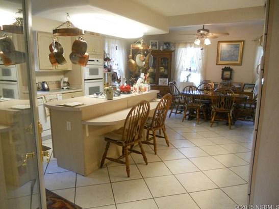 208 South Gaines St , Oak Hill, FL - USA (photo 4)