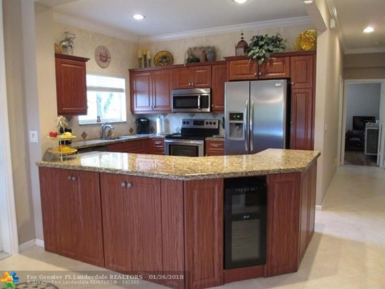 5682 Nw 127th Ter #4, Coral Springs, FL - USA (photo 2)