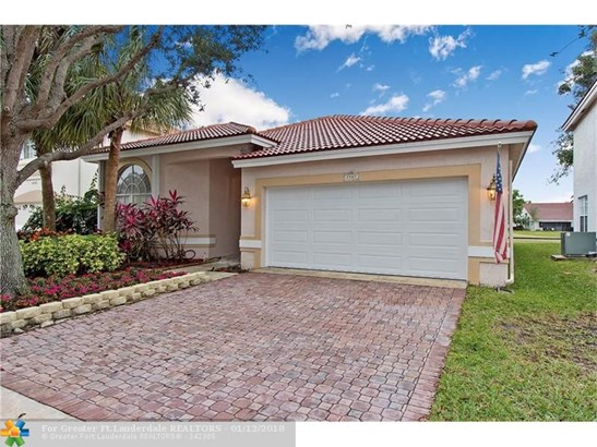 7507 Nw 25th St, Margate, FL - USA (photo 2)