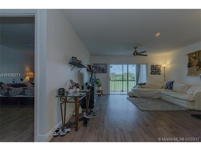 6301 N Falls Circle Dr, Lauderhill, FL - USA (photo 3)