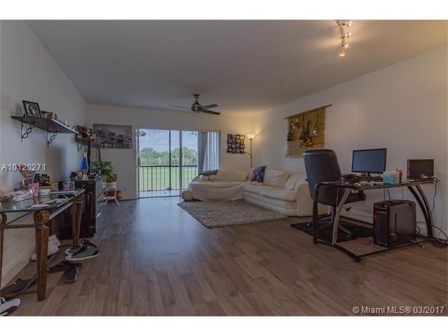 6301 N Falls Circle Dr, Lauderhill, FL - USA (photo 4)