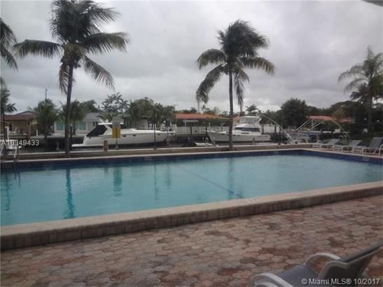 2350 Ne 135th St, North Miami, FL - USA (photo 3)