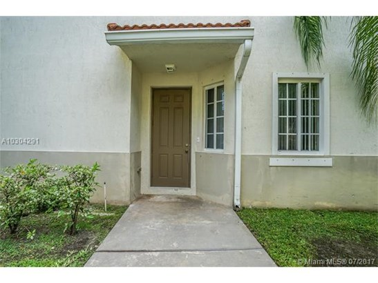 Condo/Townhouse - Miami Gardens, FL (photo 3)