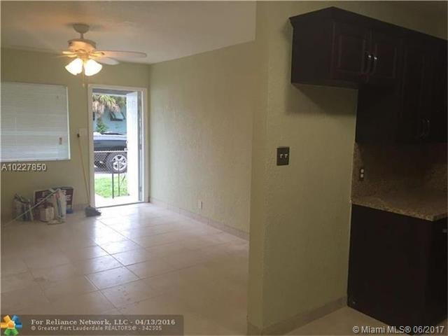 Single-Family Home - Dania Beach, FL (photo 5)