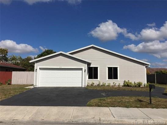 6321 Nw 199th St, Hialeah, FL - USA (photo 1)