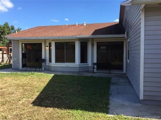 6321 Nw 199th St, Hialeah, FL - USA (photo 2)