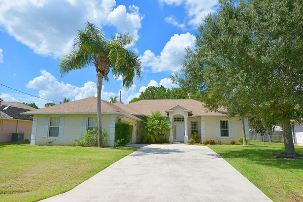 5951 Nw Theda Lane, Port St. Lucie, FL - USA (photo 4)