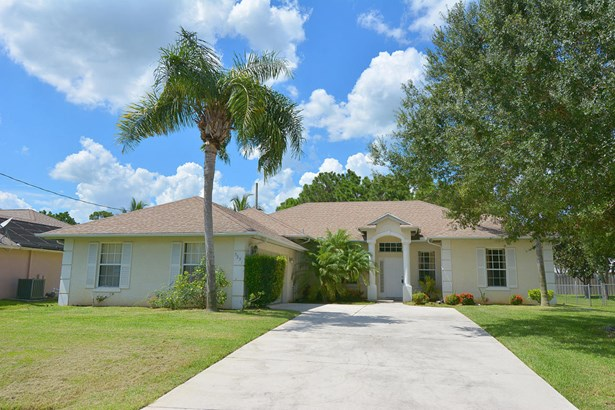 5951 Nw Theda Lane, Port St. Lucie, FL - USA (photo 5)