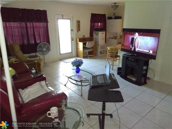 151 Newport J #151, Deerfield Beach, FL - USA (photo 4)