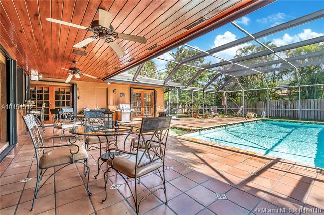 6361 Pent Pl, Miami Lakes, FL - USA (photo 3)