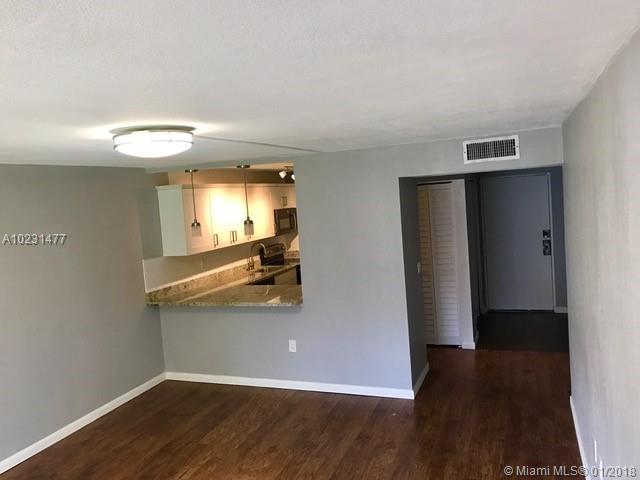3490 Foxcroft Rd  #b215, Miramar, FL - USA (photo 2)