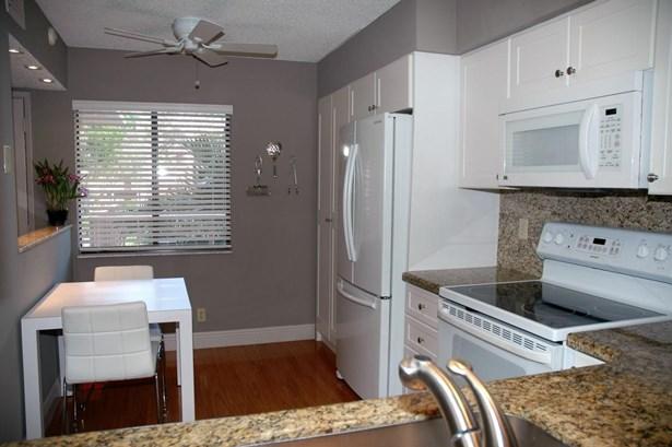 7280 Amberly Lane Unit 210, Delray Beach, FL - USA (photo 5)