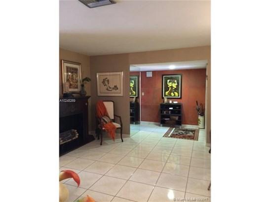 Single-Family Home - Miami Lakes, FL (photo 5)