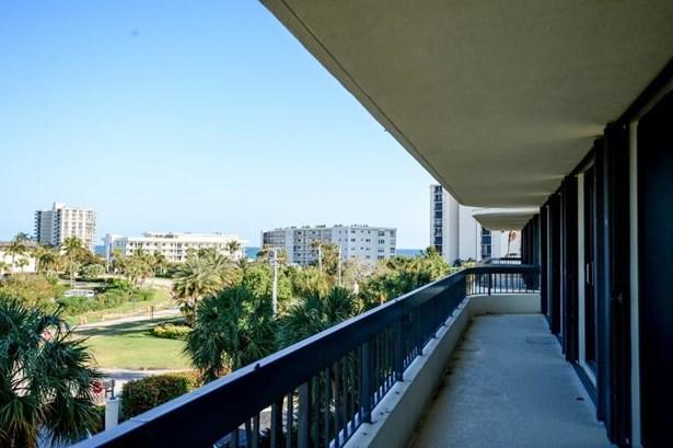 Condo/Townhouse - Tequesta, FL (photo 5)