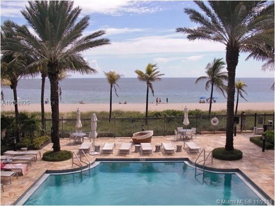 Condo/Townhouse - Lauderdale By The Sea, FL (photo 1)