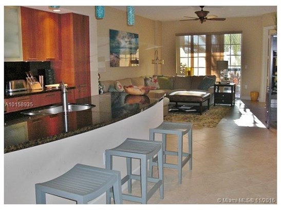 Condo/Townhouse - Lauderdale By The Sea, FL (photo 5)