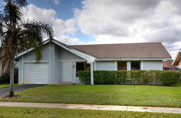 1407 Sw 82 Avenue, North Lauderdale, FL - USA (photo 1)
