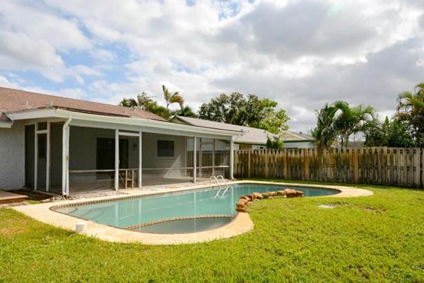 1407 Sw 82 Avenue, North Lauderdale, FL - USA (photo 2)