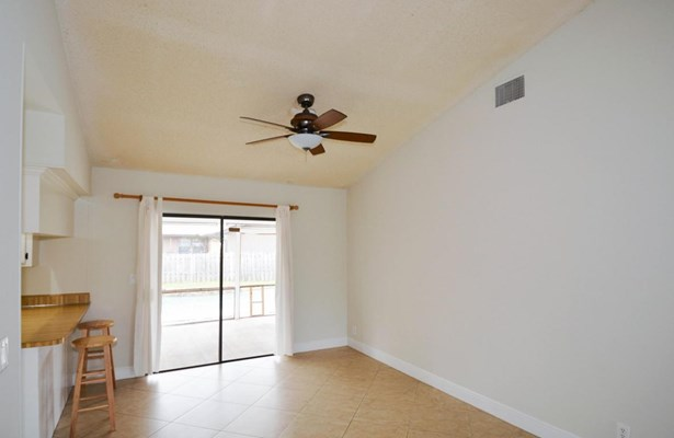 1407 Sw 82 Avenue, North Lauderdale, FL - USA (photo 5)