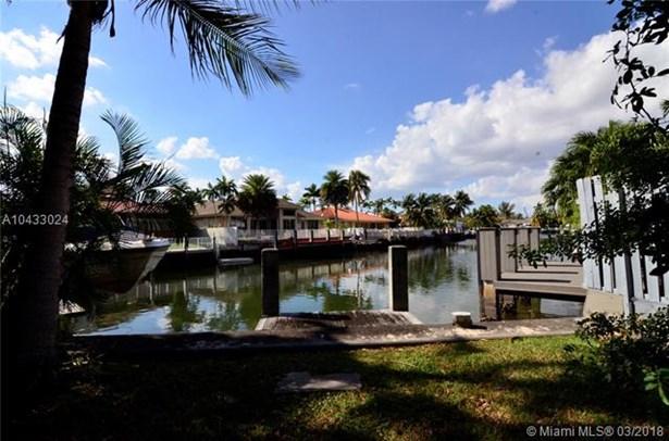 16400 Ne 35 Ave, North Miami Beach, FL - USA (photo 1)