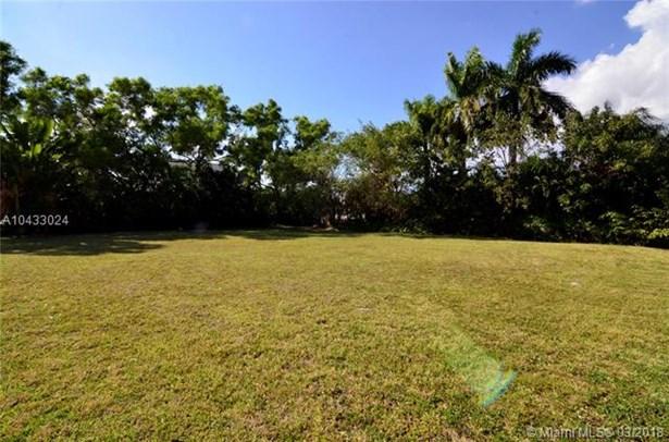 16400 Ne 35 Ave, North Miami Beach, FL - USA (photo 3)