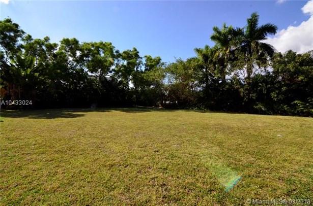 16400 Ne 35 Ave, North Miami Beach, FL - USA (photo 4)