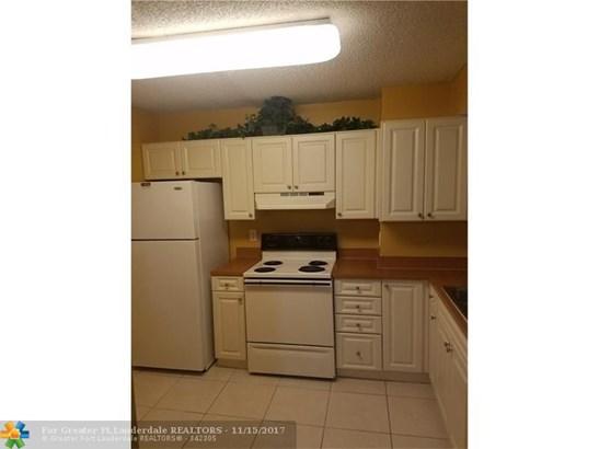 12099 Royal Palm Blvd #2g, Coral Springs, FL - USA (photo 2)
